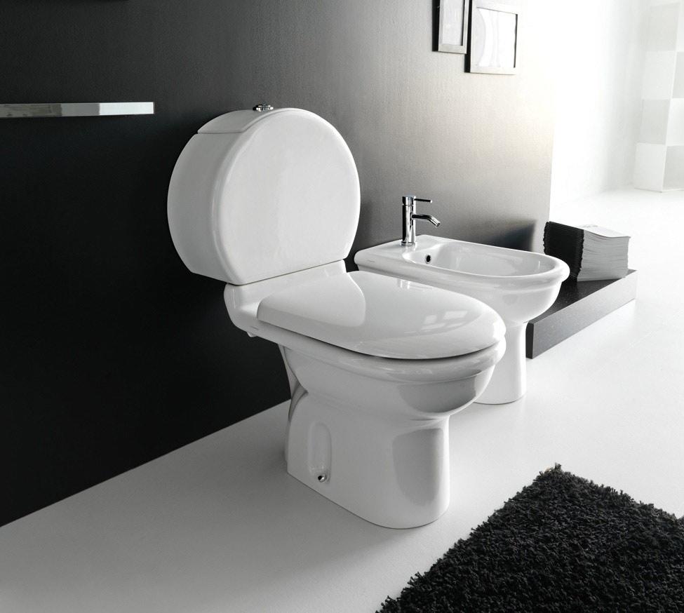 Sanitari monoblocco con cassetta ceramica pluvia for Sanitari bagno